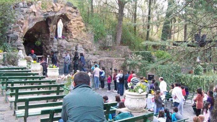 Dia De La Virgen De Lourdes: Alta Gracia A La Virgen De Lourdes